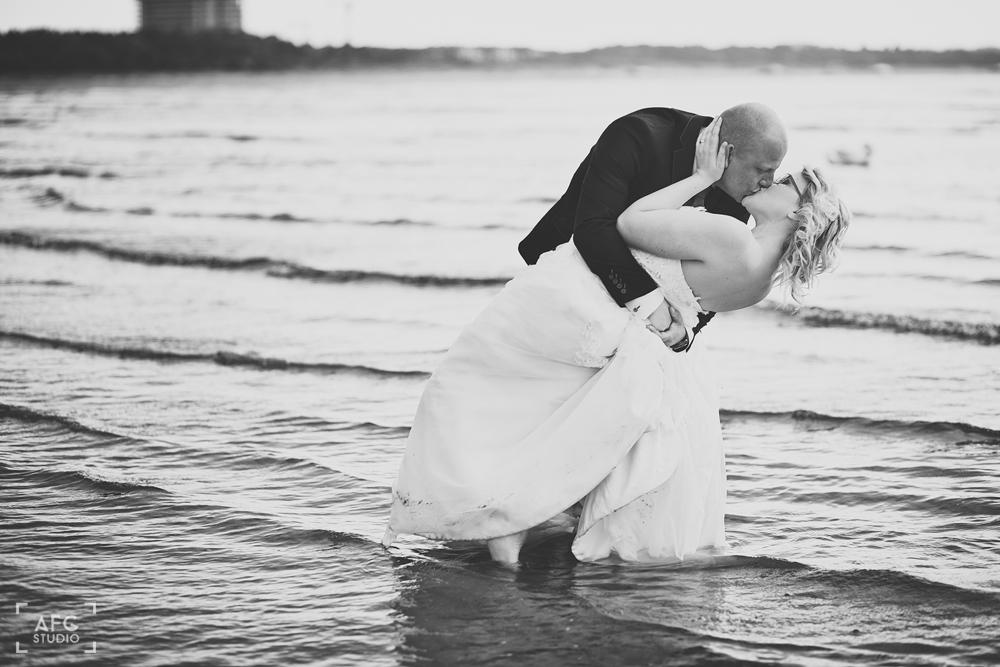 morze, miłość, plener ślubny