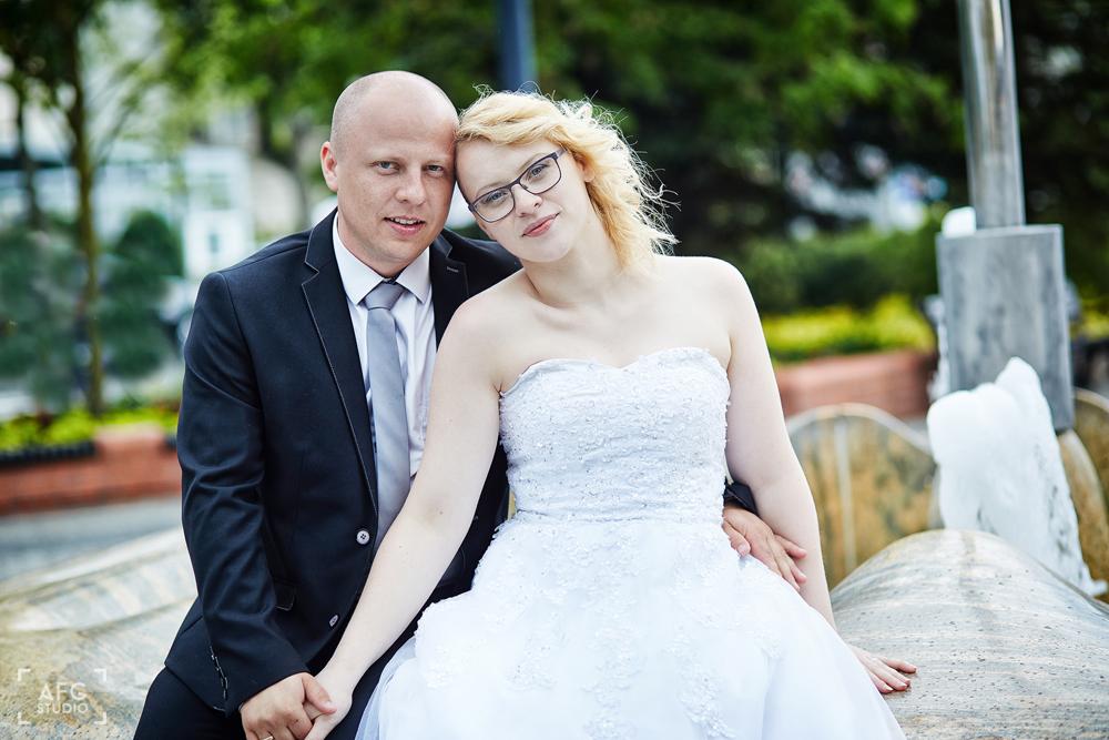 fontanna Świnoujście, para młoda, plener ślubny