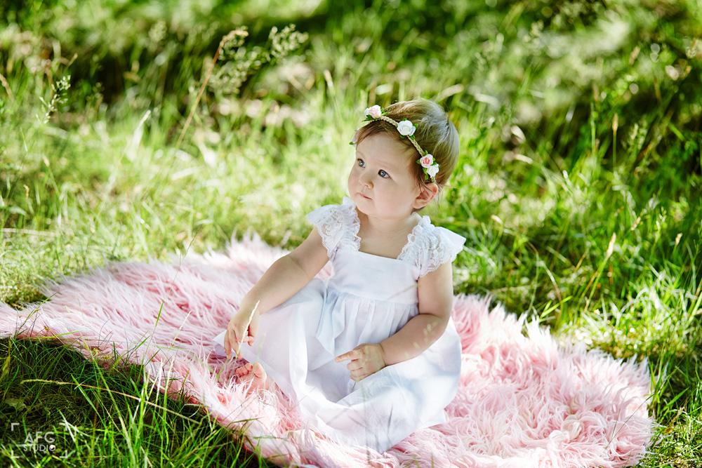 dziecko, przyroda, wianek