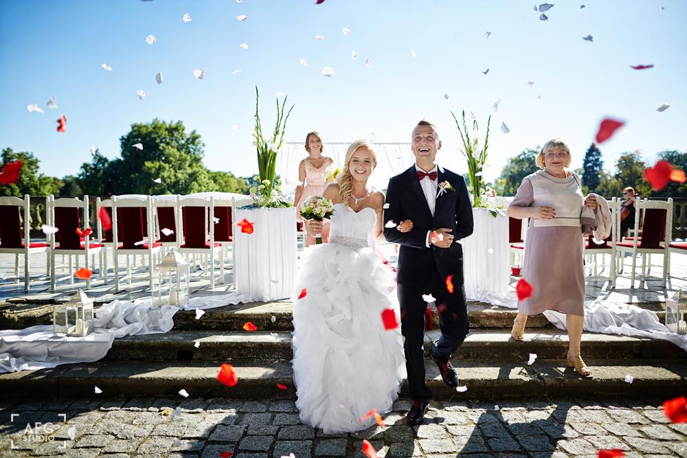 nowożeńcy, ślub w plenerze, miłość