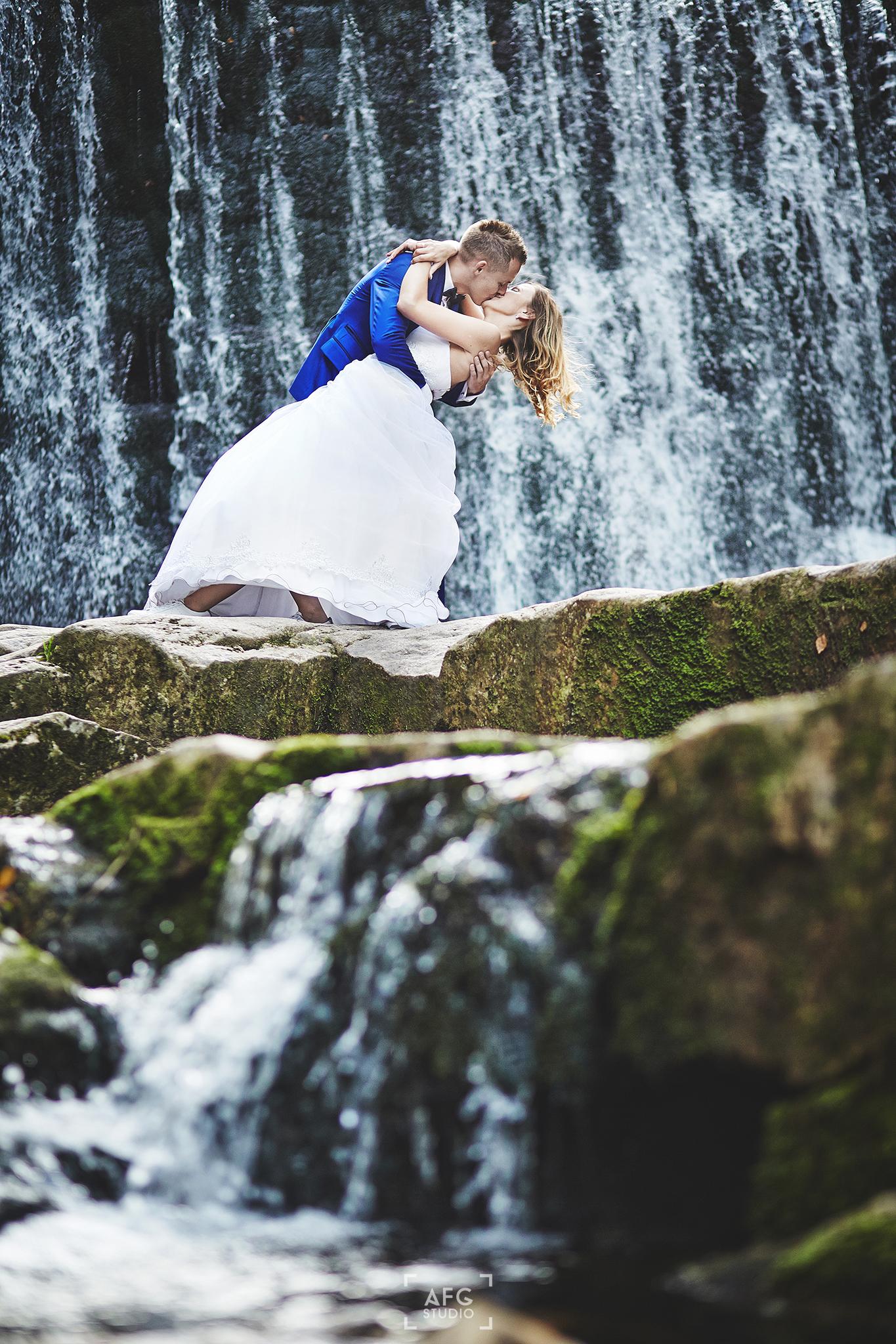 wodospad, Para młoda, skały