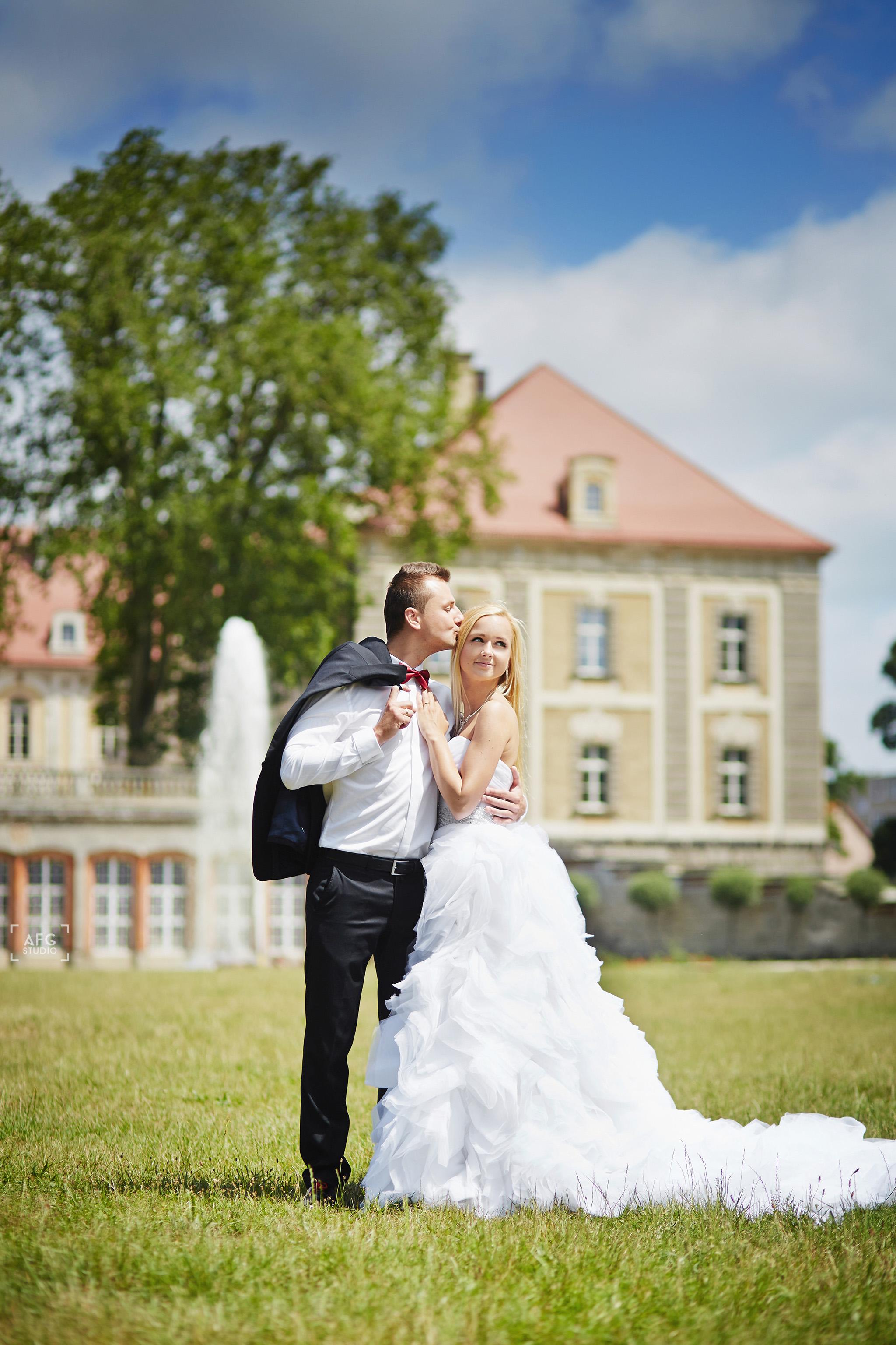 pałac w Żaganiu, marynarka, suknia ślubna