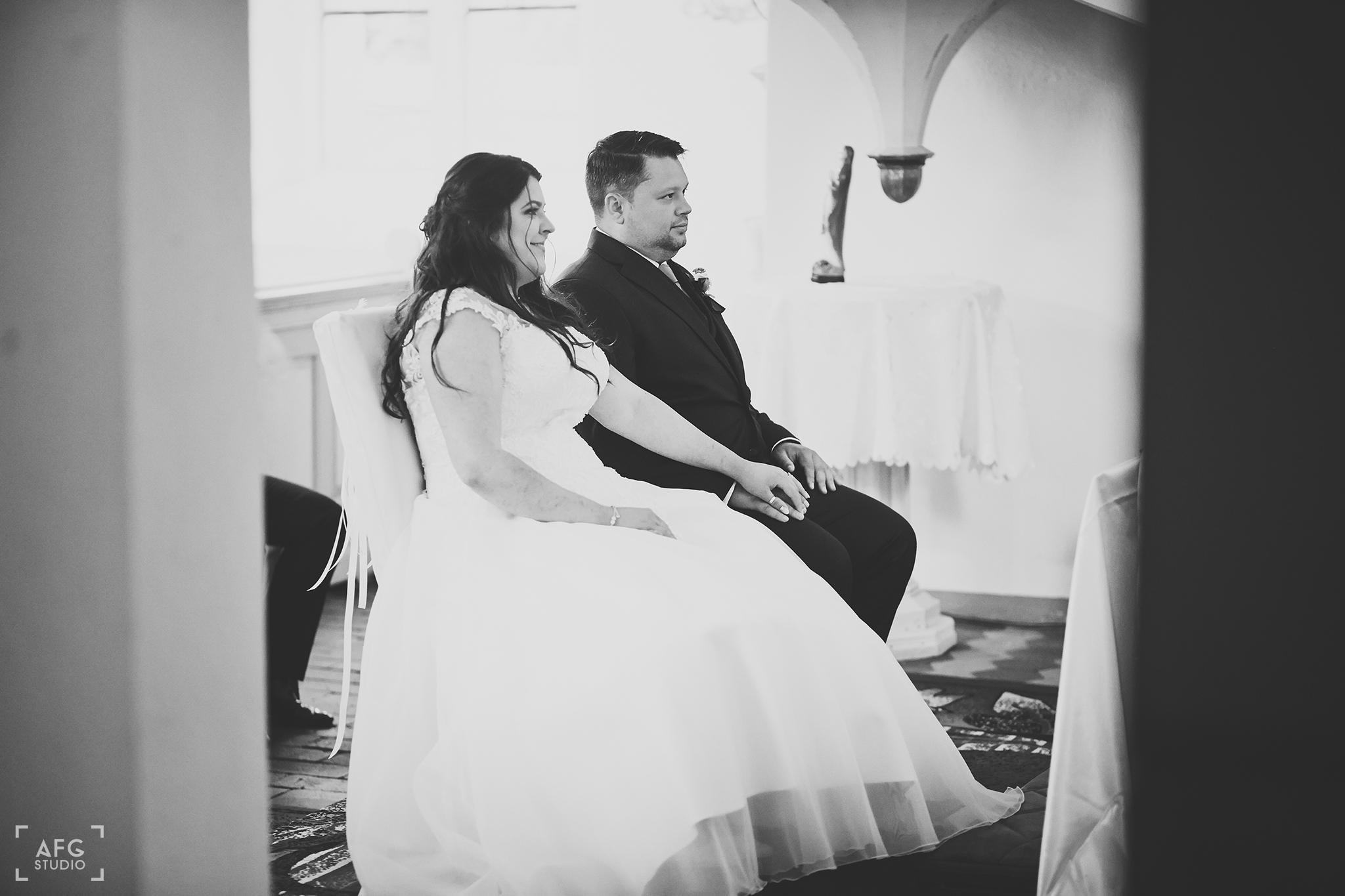 para młoda, kościół, ślub