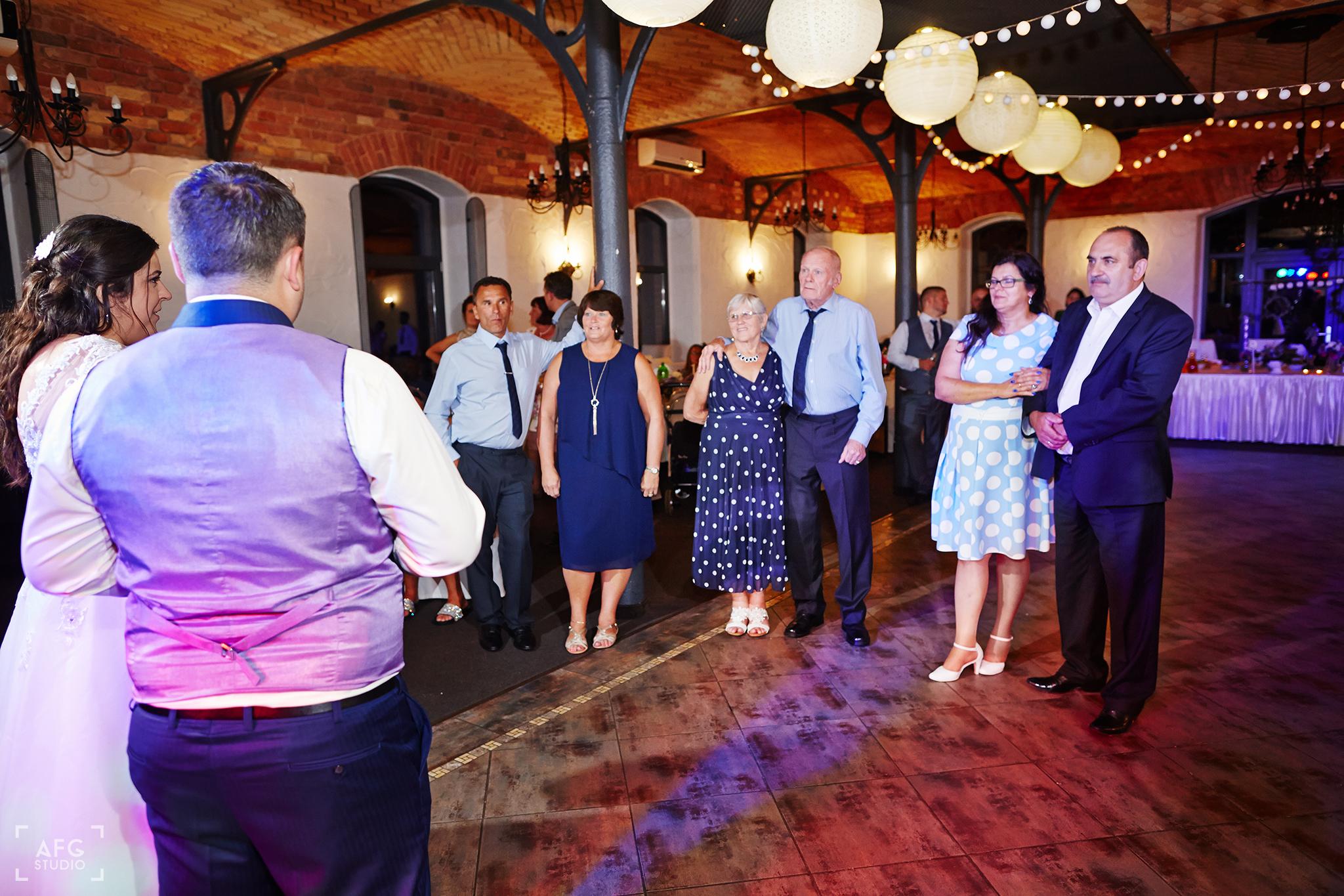 taniec, zabawa, dekoracje weselne