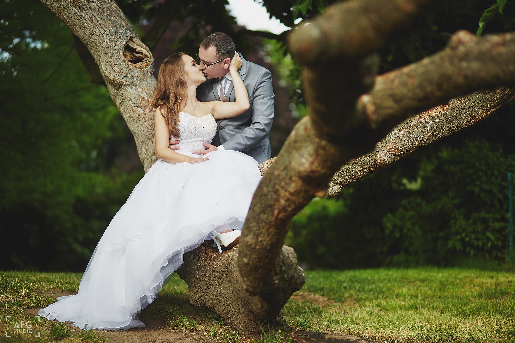 portret ślubny, suknia ślubna, Pan Młody