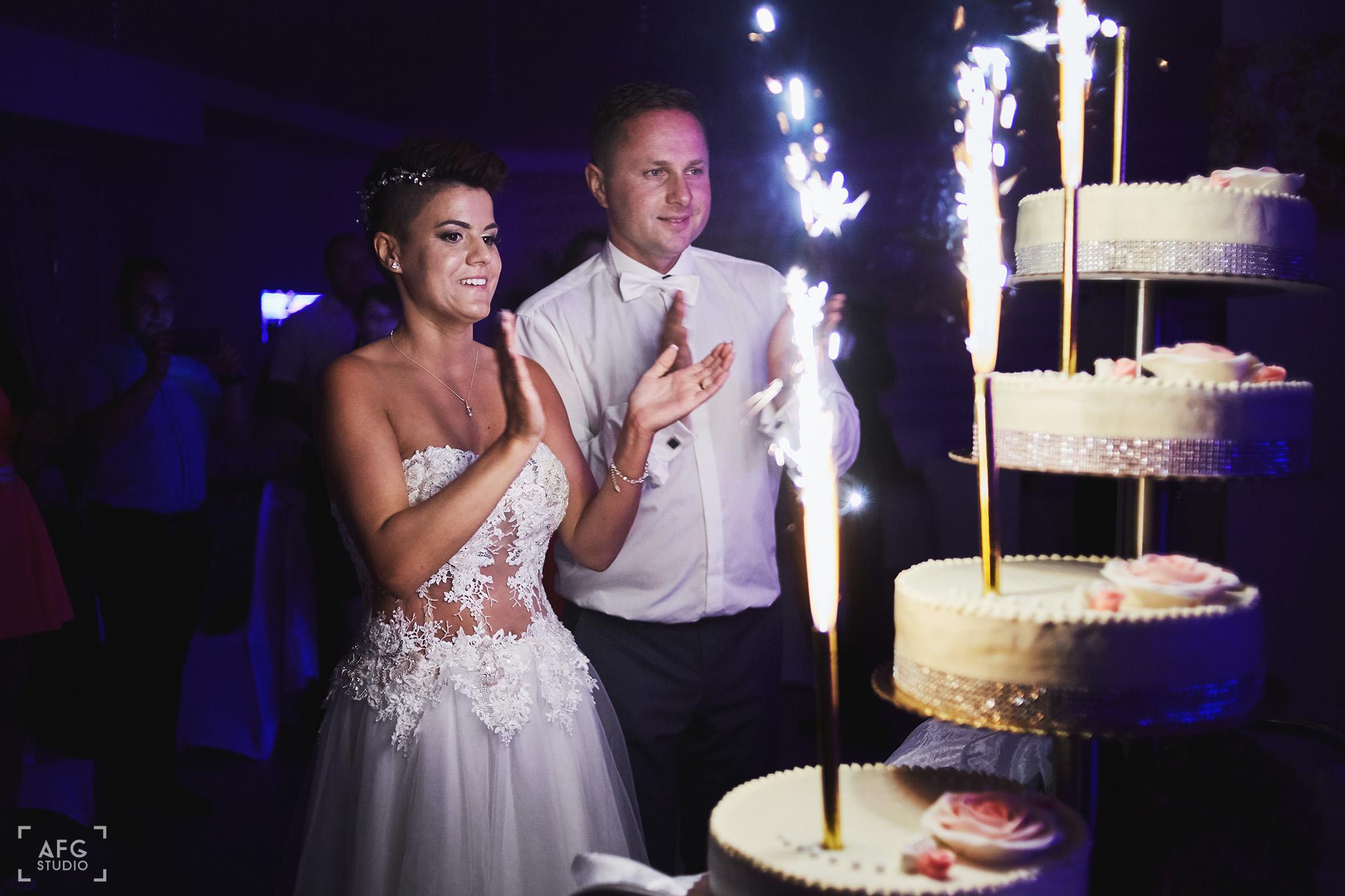 para młoda, wesele, tort