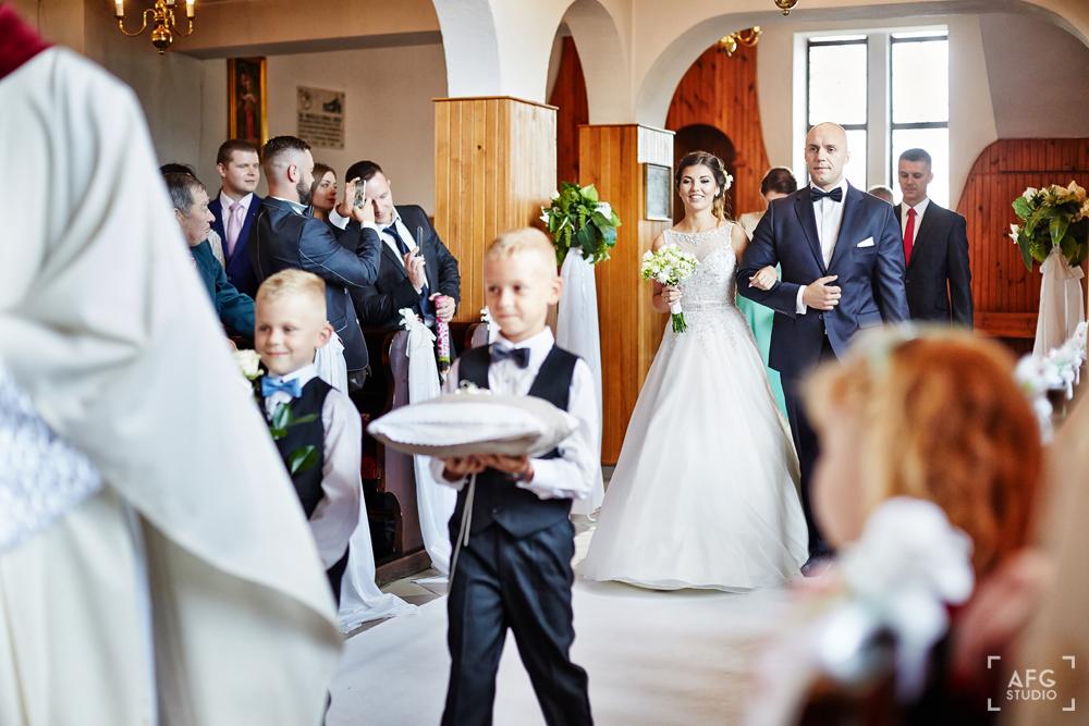 ceremonia ślubna, para młoda, obrączki