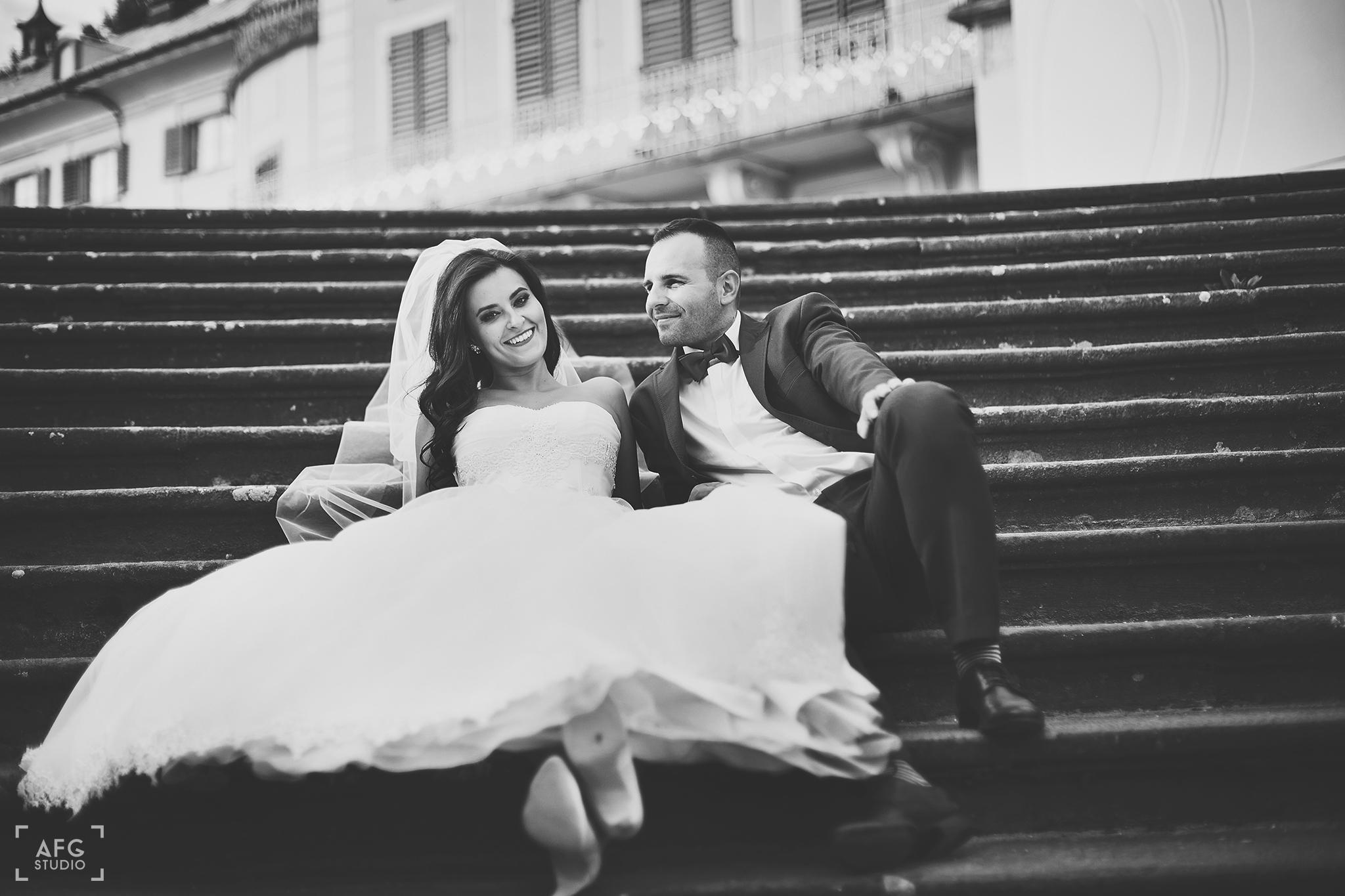 pałac, schody, suknia ślubna