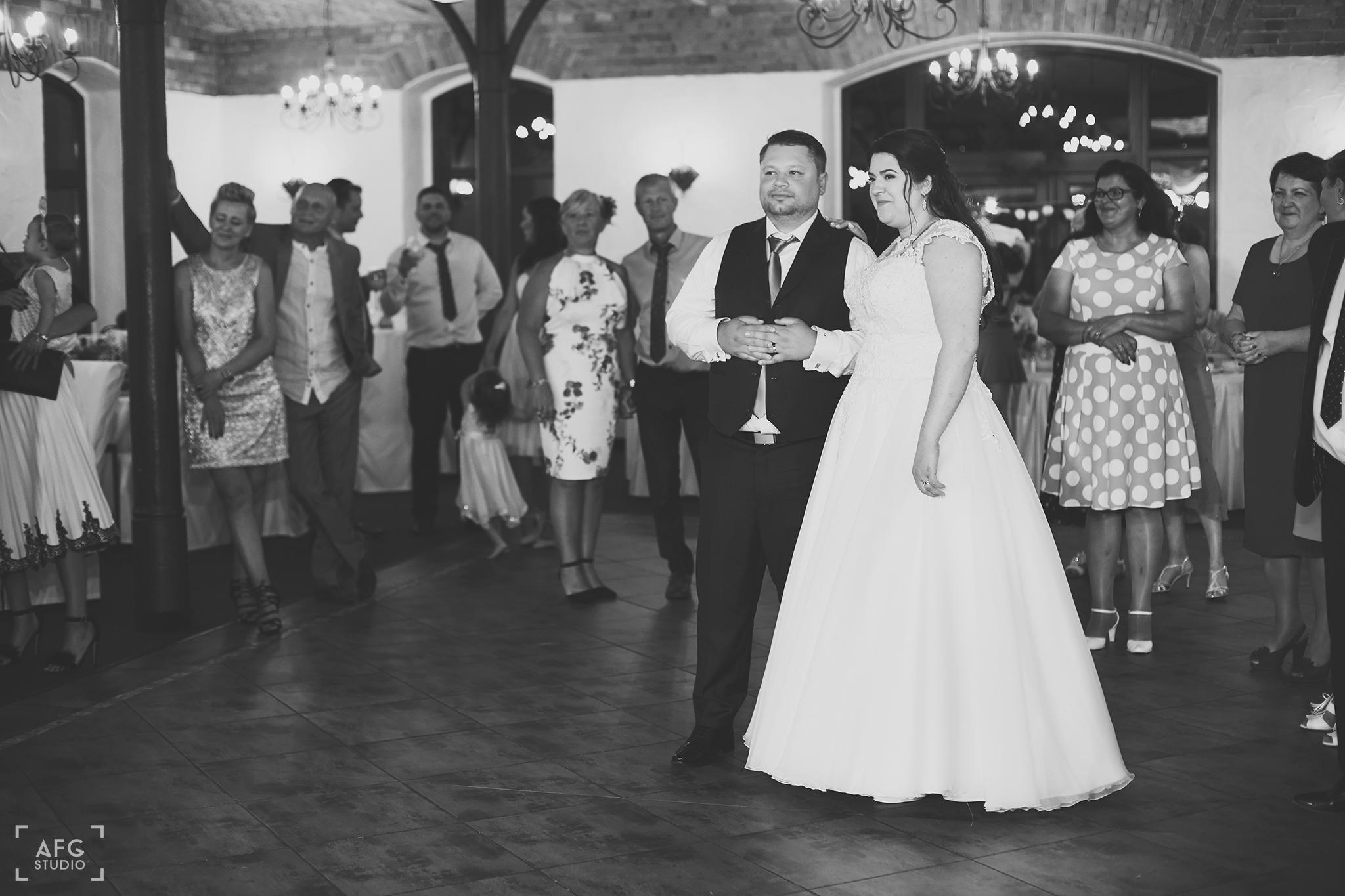 toast, para młoda, goście weselni