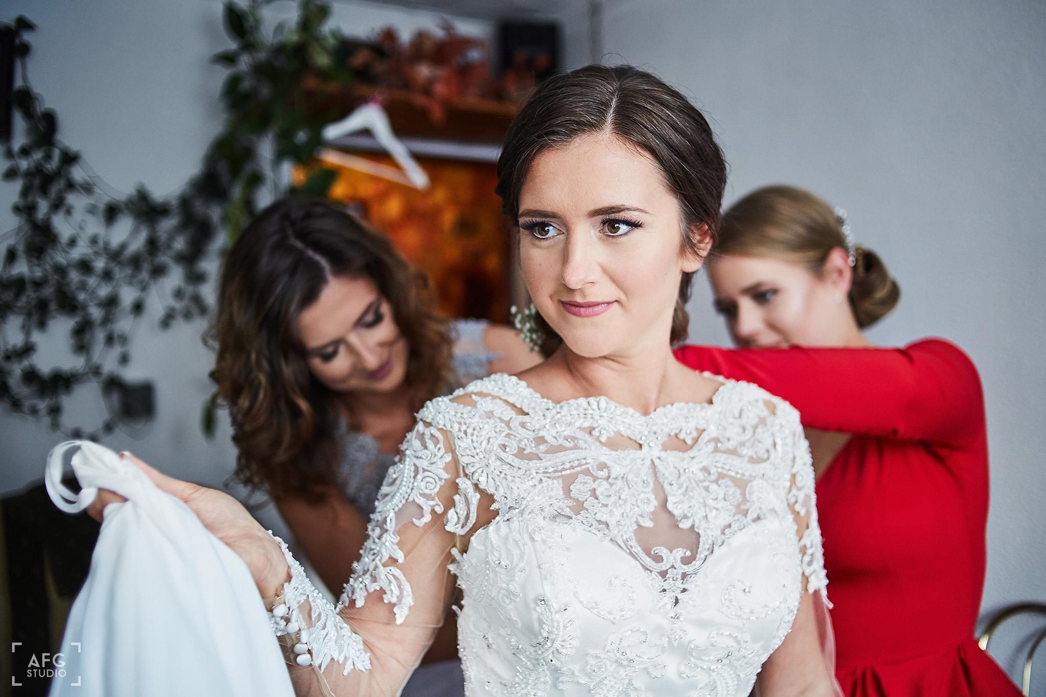 suknia ślubna, welon, pani młoda