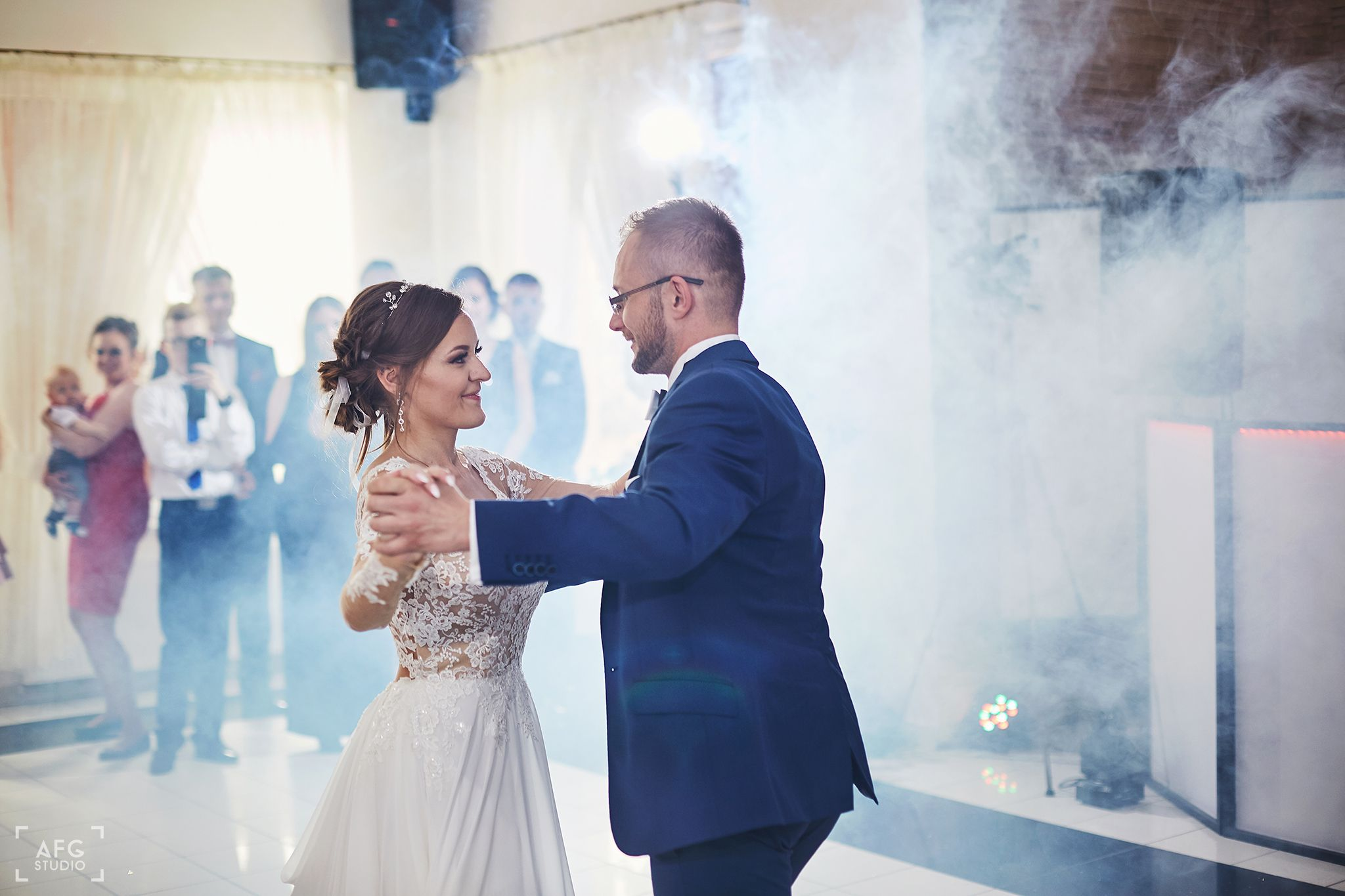 pierwszy taniec, para młoda