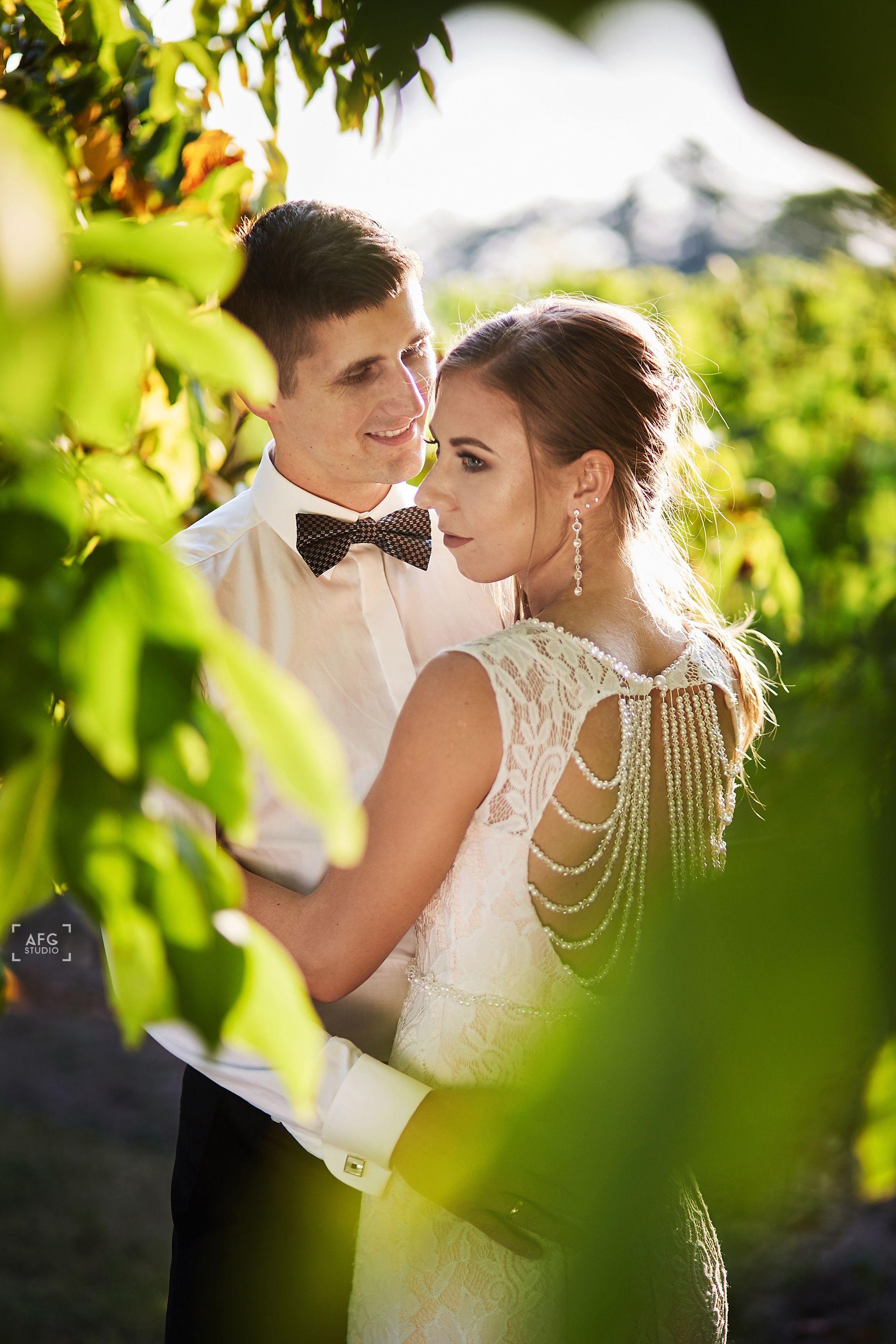 suknia ślubna, pan młody, winnica