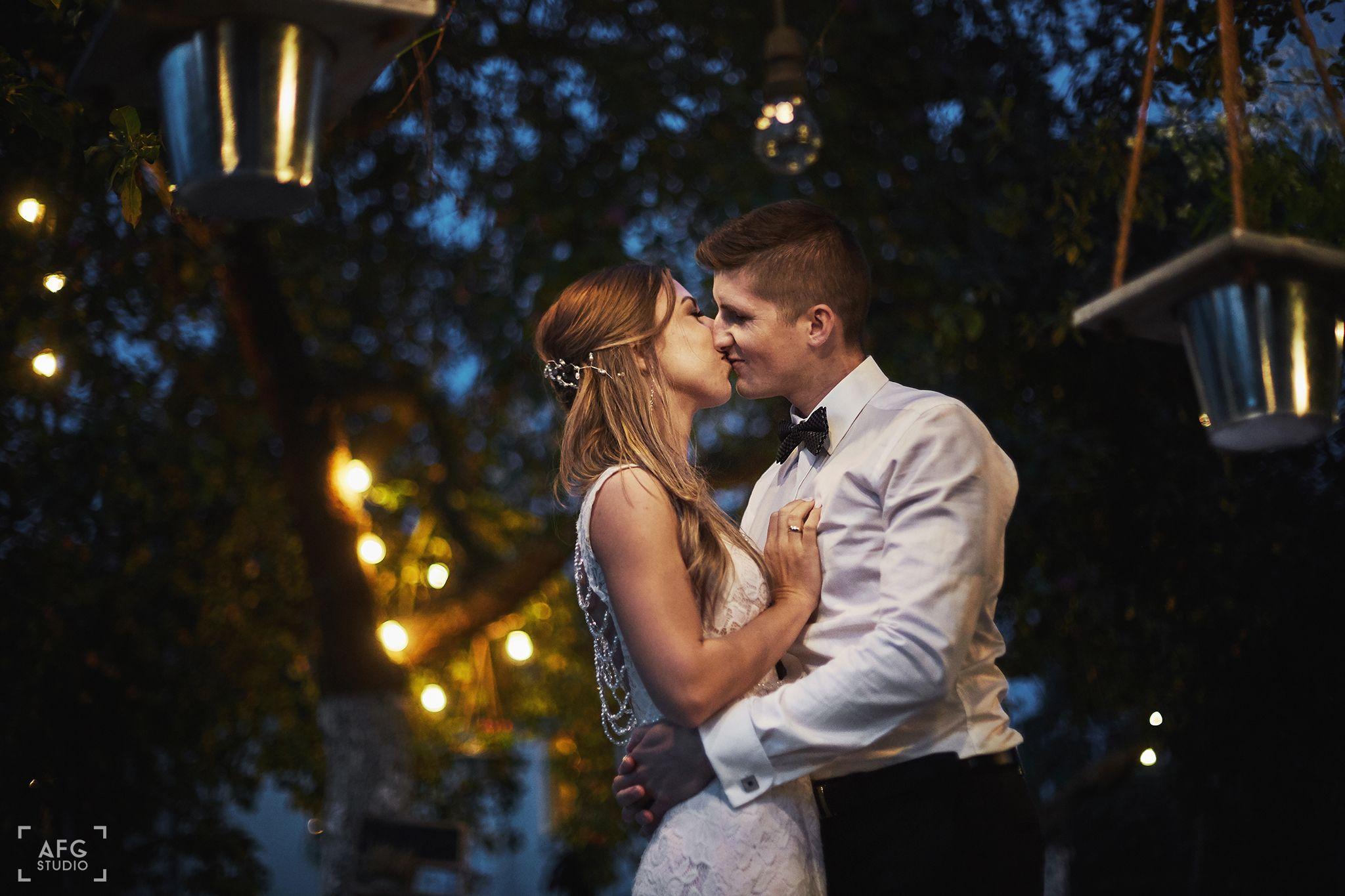 pocałunek, miłość, para młoda