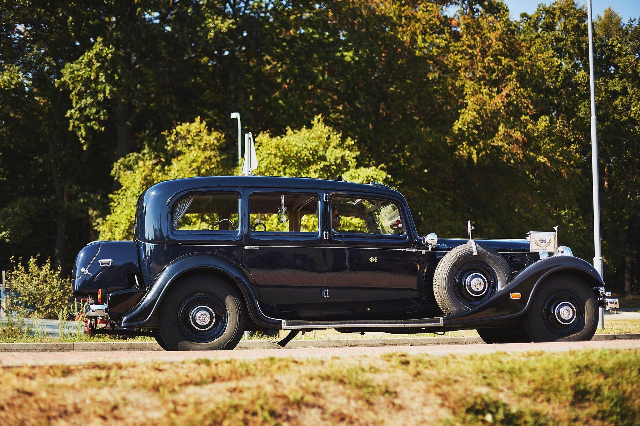 samochod ślubny