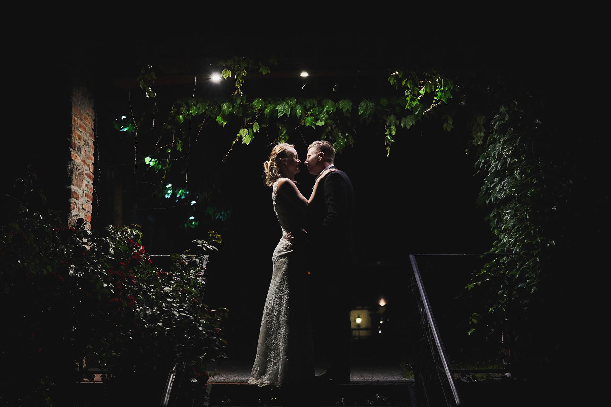 para młoda, suknia ślubna