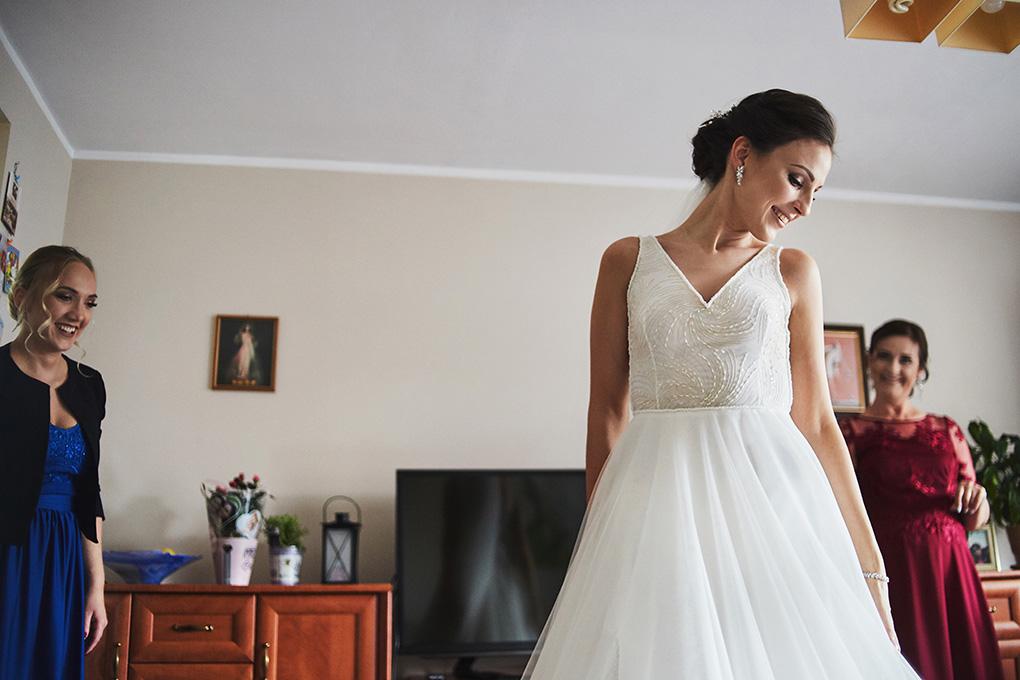 suknia ślubna, uśmiech