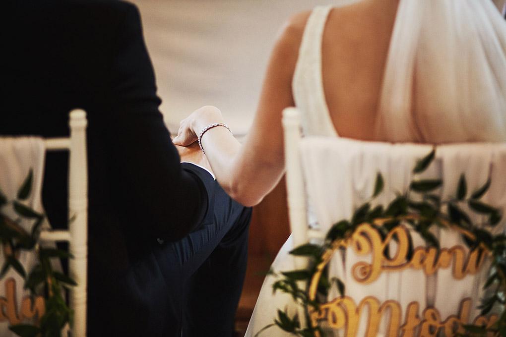 suknia ślubna, uścisk dłoni