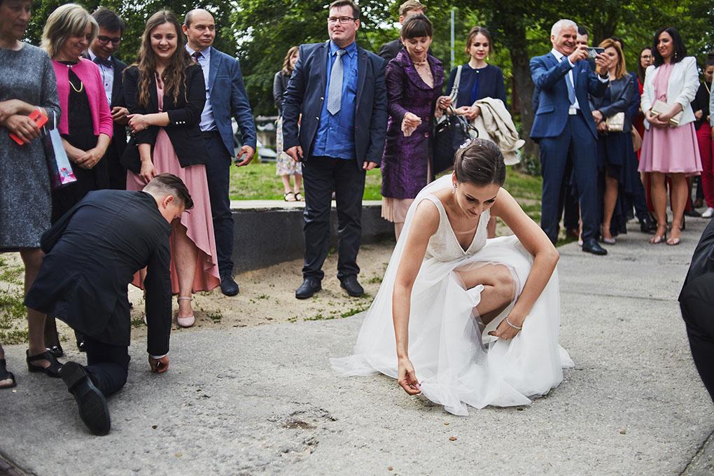 panna młoda, piękna suknia ślubna