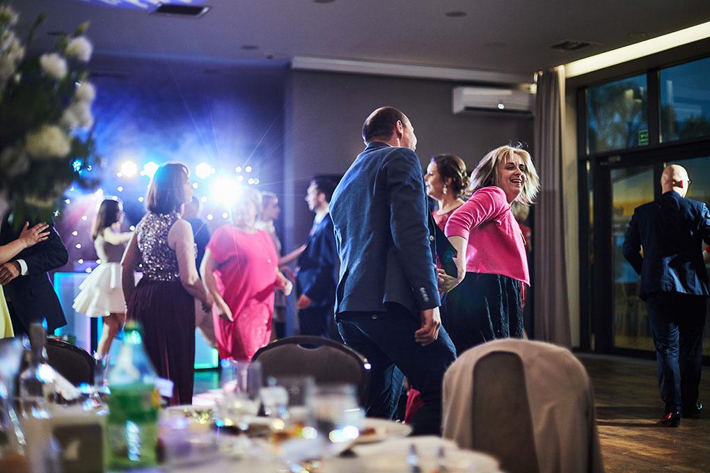 wesele, taniec gości