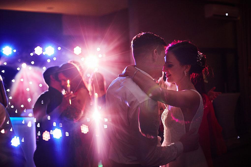para młoda, taniec przy świecach